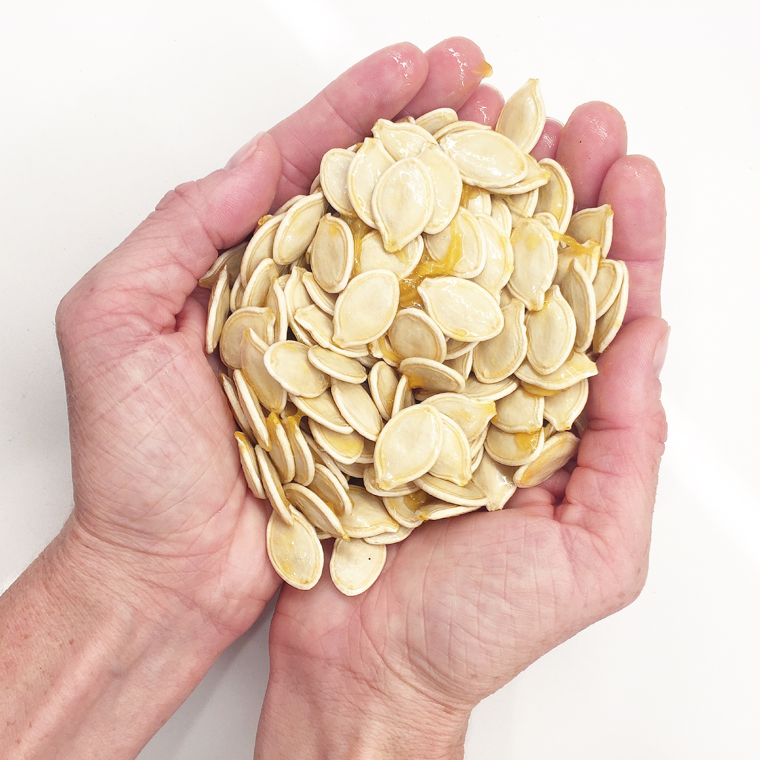 flavored DIY roasted pumpkin seeds